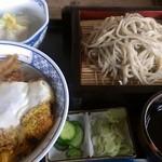そば右ヱ門 - 料理写真:かつ丼ランチ・めん付(850円)