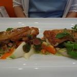 ビストロ ダイア - 三河地鶏の皮パリパリロースト