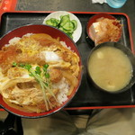しれとこ食堂 - 顔くらいの丼ぶりに大盛りご飯のかつ丼定食