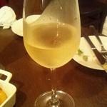 Bistro UZU - 白ワイン(700円)