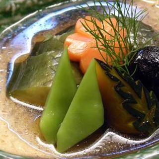 沖縄伝統野菜も旬の味わいも