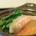 周 - 甘鯛と小松菜の香り鍋  とても香りのある、でも安心する汁仕立ての一品です