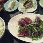 市場のめし屋 浜ちゃん - カツオタタキ丼