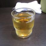 麺工房 武 - お冷の変わりに麦茶がうれしい!
