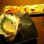 1947988 - 岩牡蠣と薄焼きピザ