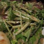ルスカフェ - 添えてあるサラダ、てんこ盛り