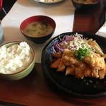 地頭鶏 播鳥 - チキンカツ定食¥800