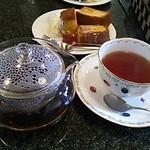 オズカフェ - 紅茶400円
