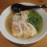 19475670 - 蒸し鶏のラーメン(750円)