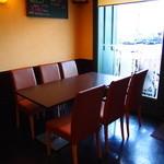 きなり食堂 - テーブル席