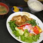 元禄 - ロースにんにく焼き定食¥840