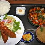 元禄 - 海老フライ&酢豚定食¥1.155