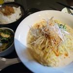 琴ヶ梅 - 「冷し担々麺」900円也。