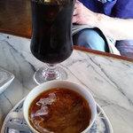 つきじ - アイスコーヒーとホット珈琲