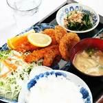 つきじ - ミックスフライ定食