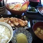 つきじ - お魚のおろしかけ定食