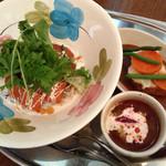 薔薇絵亭 - サーモン丼(ボルシチ付)