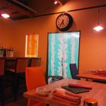 京町食堂 - 奥が厨房です。
