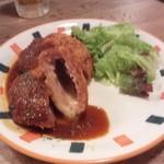 京町食堂 - チーズinミンチカツ自家製デミソース(680円)