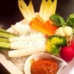 ガヤムシャ - オーガニック野菜ディップ:自家製みそディップがたまりません