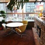 A971 レストラン - 2F 窓際のお席(ランチタイム禁煙席/ランチ後喫煙席)一番の人気のお席です!