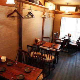 2階のテーブル席(最大12名様まで)