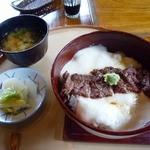 19498525 - 篠山まるごと丼(とろぎゅう)(1,300円)
