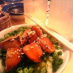 七福家 - 肉飯し焼き立てチャーシューが香ばしくてたまりません。