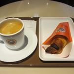 サンマルクカフェ - コーヒーブラック Mサイズ、チョコクロ