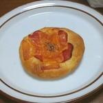 Pain de Vraie - サラミとチーズフォカッチャ
