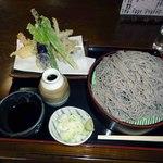 19509444 - もりそば 大盛り 天ぷら(エビ二本)