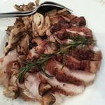 ドン・キホーテ - 鶏肉ローストキノコ添え(塩コショウ、レアかな)