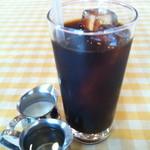 パームスプリングスファミリーレストランアンドゴルフレンジ - アイスコーヒーアップ