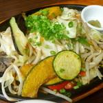 ステレオ - 【期間限定】宮崎地鶏炭火焼と季節の野菜の炒めもの