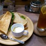 カフェ ド ペラゴロ - CAFÈ KO-U-AN 葛西店 BLT 580円 + アイスティー 420円