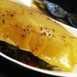 19523217 - 山芋の入ったサラダの上には揚げた春巻の皮