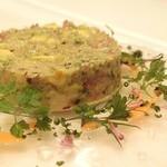 レストラン セビアン - マグロ中トロと帆立、アボカドのタルタル 1,300円