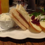 ヴァンガード - チーズ盛り合わせ:630円('13.06月にて)