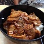 19527350 - 豚丼
