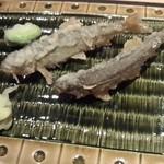 割烹 渡邊 - 活きた稚鮎のから揚げ