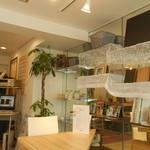 Cafe cocoro - 明るいインテリア