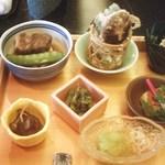 kanazawasekitei - 1900円ランチ・豚の角煮、天ぷら、焼き物、酢の物3点、香の物