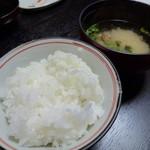 たつき - 美濃白川産のお米と谷川の石清水で炊いた御飯と味噌汁