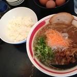19535568 - 丸徳ラーメン+サービスライス