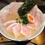 麺と心 7 - セブンMIXチャーシュー(醤油)中盛(177g)