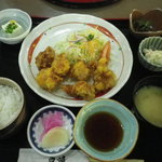 道の駅 原尻の滝 レストラン白滝 - とり天定食 850円