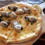 19539306 - 広島県産牡蠣のオイスターピッツァ(1300円)