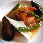 キャノン - 完熟トマトと季節の魚介の冷製ブイヤベース風