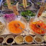 19541442 - 旭川近郊野菜がならぶサラダビュッフェ