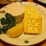 フォーメス - タラコとクリームチーズのペースト&クラッカー